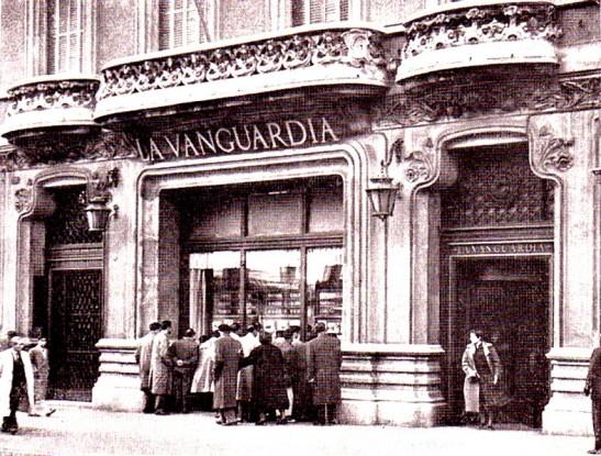 1956-El-edific-io-de-La-Vanguardia